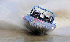 TV: Här accelererar jetsprint-båten som en racing-hoj