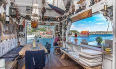 TV: Tjuvtitta i lyxiga skärgårdsvillan som blev årets dyraste fritidshus